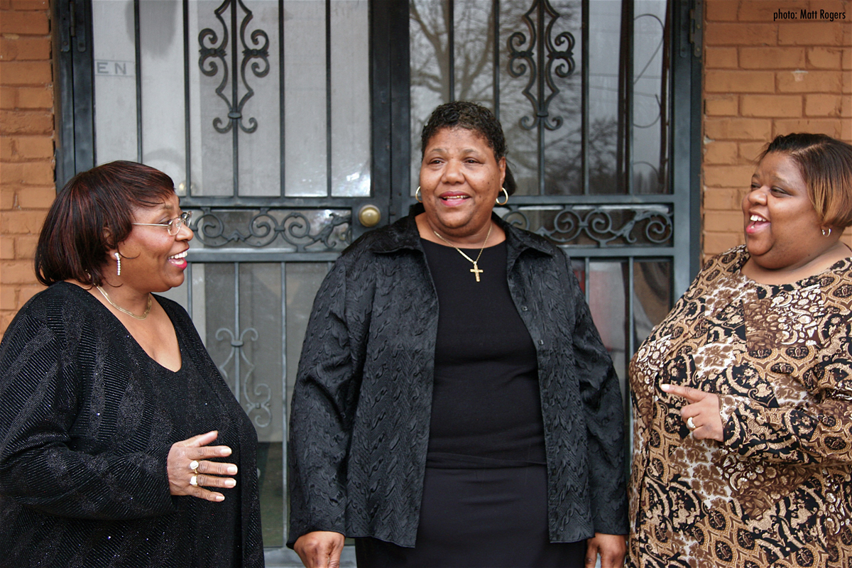 Gospel trinity The Como Mamas reveal new album 'Move Upstairs'